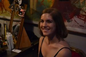 Dieser freundlich lächelnden jungen Frau würde man alles glauben - doch woran glaubt sie? (Foto: Privat)